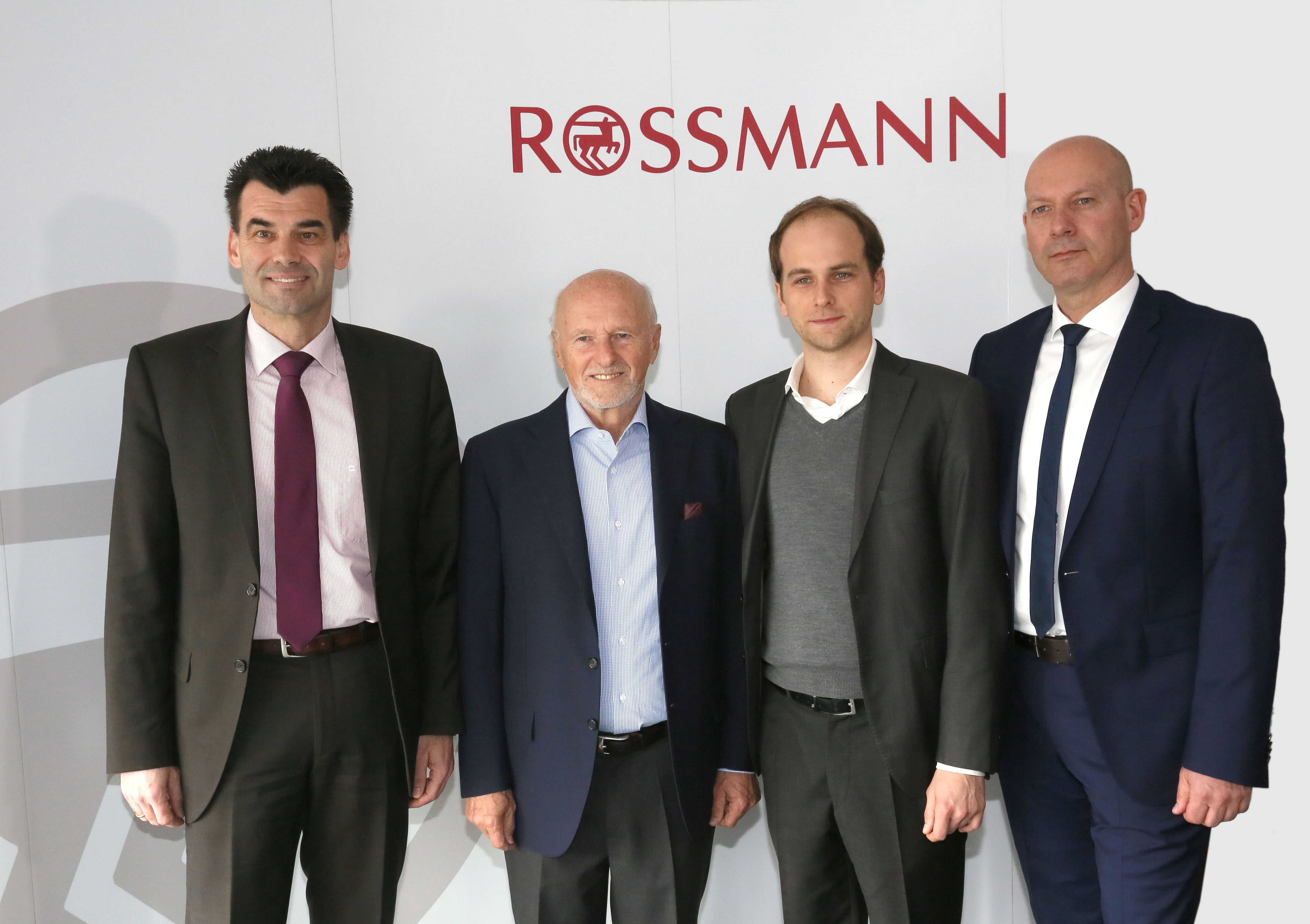 rossmann jahrespressekonferenz rossmann unternehmen. Black Bedroom Furniture Sets. Home Design Ideas